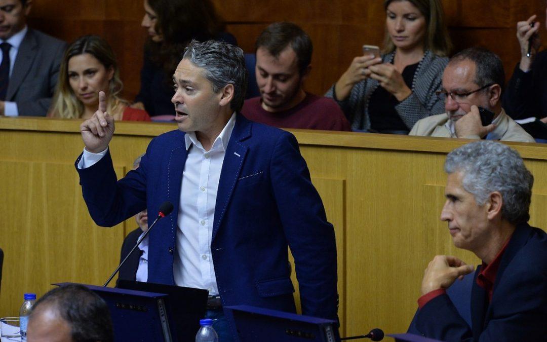 Debate sobre Estado da Região com desvios do Governo para a República