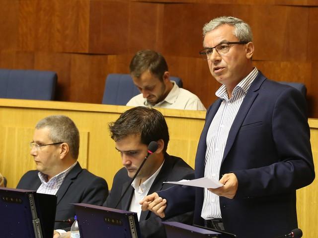 JPP exige esclarecimentos à Educação relativamente à EB1PE Camacha