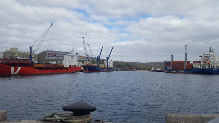 Preço de saldo para a operação portuária do porto do Caniçal