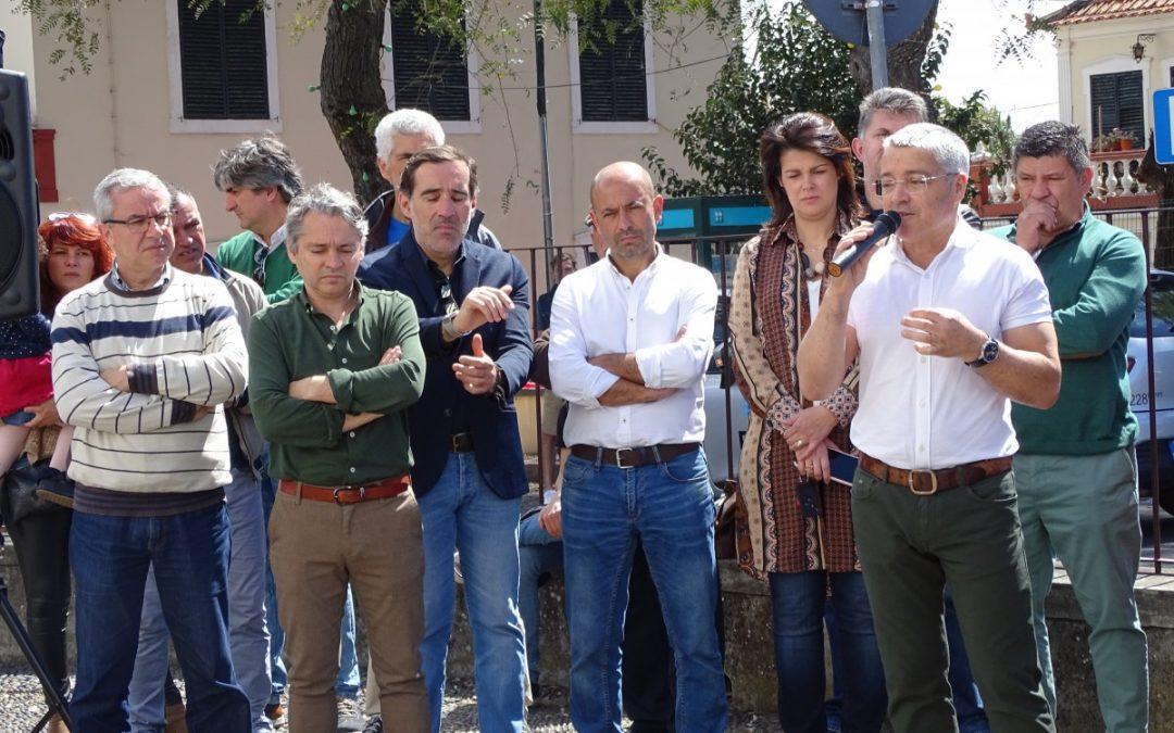 PS e PSD incomodados com os apoios sociais em Santa Cruz